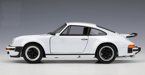 1/24 Welly FX 1974 Porsche 911 Turbo 3.0 (White) Diecast Car Model