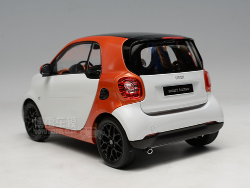 1/18 Dealer Edition Mercedes-Benz MB Smart Fortwo Coupe Hardtop (White / Orange) Diecast Car Model