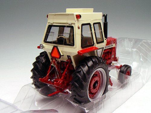1/16 Ertl International Farmall 856