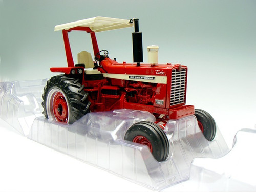 1/16 Ertl International Farmall 1456 (Red Hood)