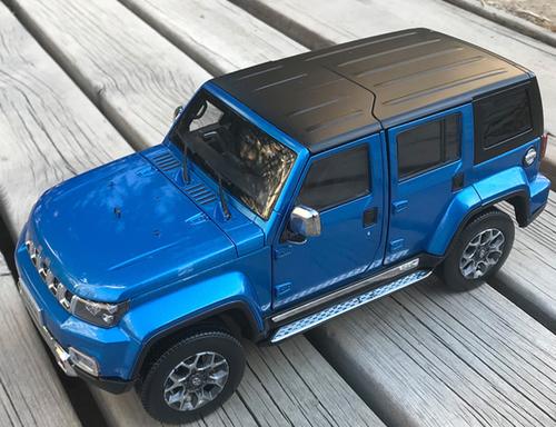 1/18 Dealer Edition 2018 Beijing Jeep BJ40 Plus BJ40L (Blue) Diecast Car Model