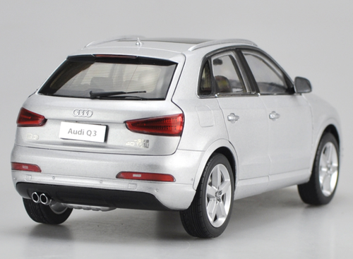 1/18 Dealer Edition Audi Q3 (Silver) Diecast Car Model