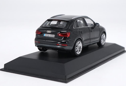 1/43 Dealer Edition Audi Q3 (Black) Diecast Car Model