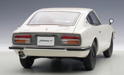 1/18 AUTOart NISSAN FAIRLADY Z432 (WHITE) Diecast Car Model 77438