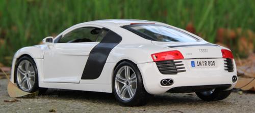 1/18 Maisto Premium Edition Audi R8 GT (White) Diecast Car Model