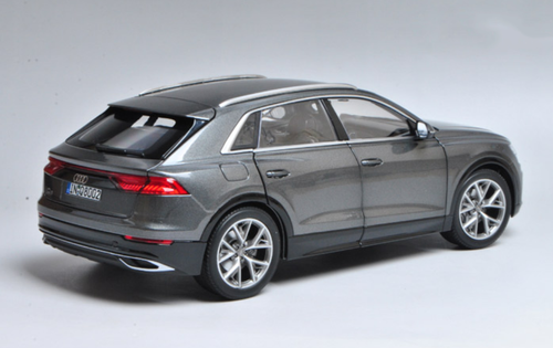 1/18 Dealer Edition Audi Q8 (Silver Grey) Diecast Car Model