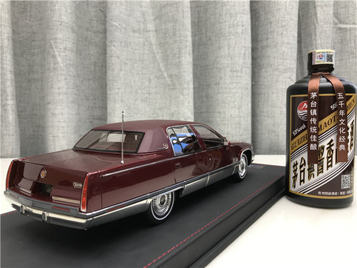 RARE 1/18 VAV 1993 Cadillac Fleetwood Brougham (Red) Resin Car Model Limited 100