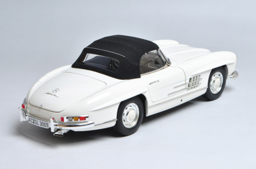 1/18 Minichamps Mercedes-Benz MB 1957 300SL 300 SL Roadster (White) Diecast Car Model Limited 504