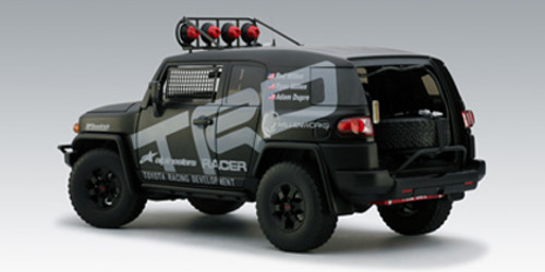 1/18 AUTOart TRD FJ CRUISER 2007 Diecast Car Model 80717