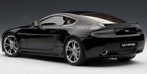 1/18 AUTOart 2010 Aston Martin Vantage V12 (Black) Diecast Car Model 70207