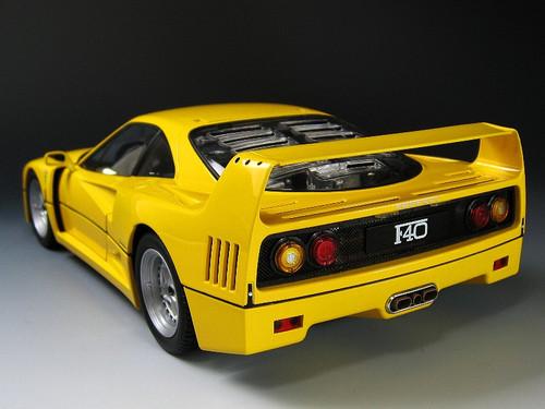 1/18 Kyosho Ferrari F40 (Yellow) Street Version 08411Y Diecast Car Model