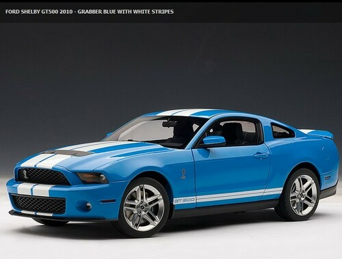 1/18 AUTOart Ford Mustang Shelby GT500 (Blue w/ White Stripes)