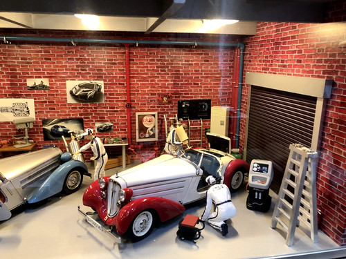 1/18 Custom Hand Made Garage Indoor Repair Shop Model Scene (last 3 pictures show what's included in the purchase)