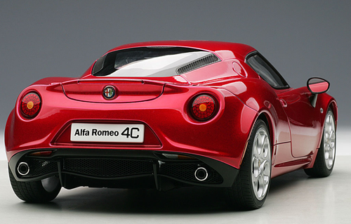 1/18 AUTOart ALFA ROMEO 4C Hardtop (RED) Diecast Car Model 70186