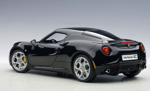 1/18 AUTOart ALFA ROMEO 4C Hardtop (GLOSS BLACK) Diecast Car Model 70184