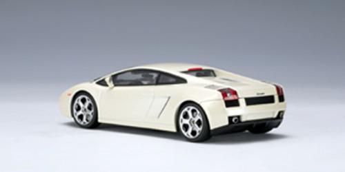 1/43 AUTOart LAMBORGHINI GALLARDO (BALLOON WHITE) Diecast Car Model 54564