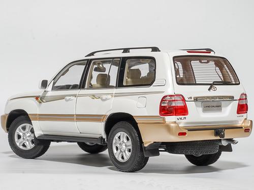 1/18 Dealer Edition 2005 Toyota Land Cruiser LC100 (White) Diecast Car Model