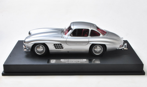 1/18 DreamPower Mercedes-Benz Mercedes MB 300 SL 300SL (Silver) Car Model Limited 98