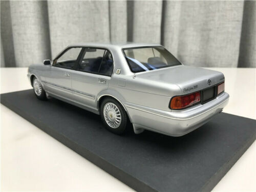1/18 Dealer Edition Toyota Crown 133 (Silver) Enclosed Resin Car Model