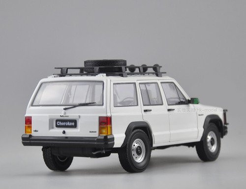 1/18 Dealer Edition Classic Jeep Cherokee (White) Diecast Car Model