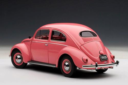 1/18 AUTOart Volkswagen VW BEETLE 1200 LIMOUSINE 1955 (Pink) Diecast Car Model 79775