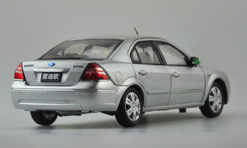 1/18 Dealer Edition Ford Mondeo (Silver) Diecast Car Model