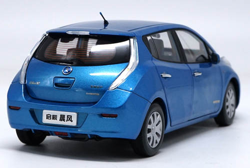 1/18 Dealer Edition Nissan Leaf Diecast Car Model