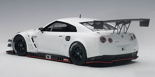 1/18 AUTOart NISSAN GTR GT-R NISMO GT3 (WHITE) Diecast Car Model 81576