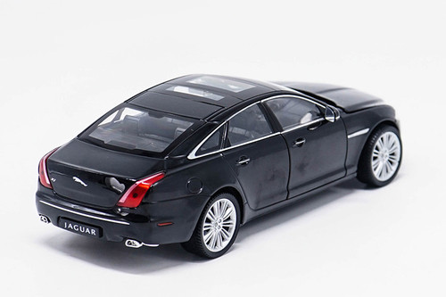 1/24 Welly Jaguar XJ XF (Black) Diecast Car Model