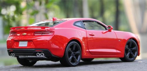 1/18 Maisto Chevrolet Chevy Camaro (Red) Diecast Car Model