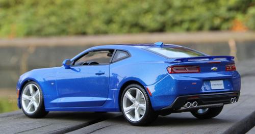 1/18 Maisto Chevrolet Chevy Camaro (Blue) Diecast Car Model