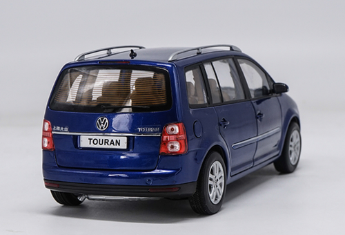 1/18 Dealer Edition First Generation 2009 Volkswagen VW Touran (Blue) Diecast Car Model