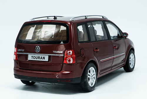 1/18 Dealer Edition First Generation 2009 Volkswagen VW Touran (Red) Diecast Car Model