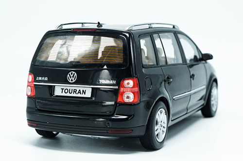 1/18 Dealer Edition First Generation 2009 Volkswagen VW Touran (Black) Diecast Car Model
