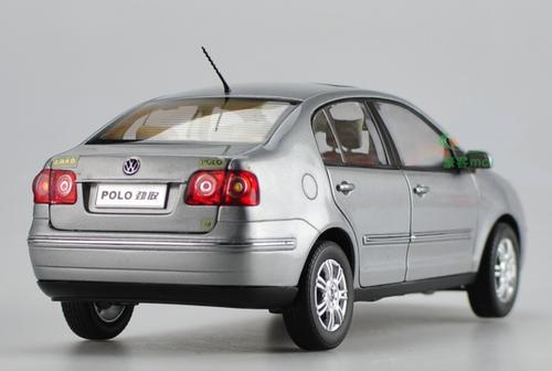 1/18 Dealer Edition Volkswagen VW Polo Sedan (Silver) Diecast Car Model