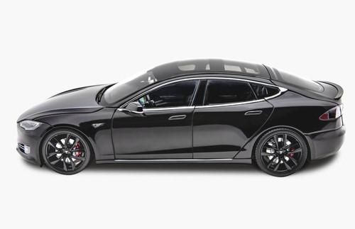 RARE 1/18 Dealer Edition Tesla Model S P100D (Black) Diecast Car Model