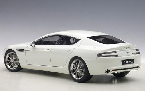 1/18 AUTOart 2015 ASTON MARTIN RAPIDE S (STRATUS WHITE) Diecast Car Model 70256