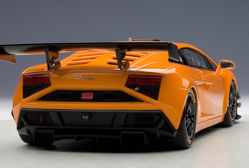 1/18 AUTOart LAMBORGHINI GALLARDO GT3 FL2 2013(METALLIC ORANGE) Diecast Car Model 81357