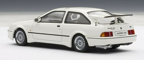 1/43 AUTOart FORD SIERRA RS COSWORTH - MOONSTONE WHITE Diecast Car Model 52862