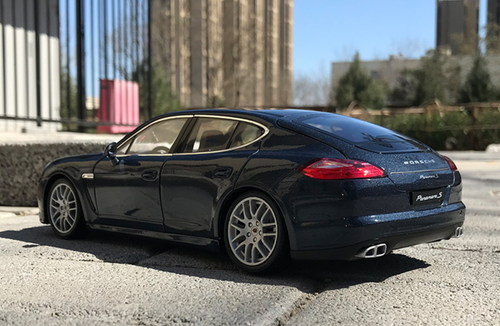 1/18 Welly Porsche Panamera S (Dark Blue) Diecast Car Model