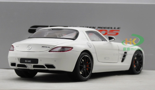 1/18 GTAutos Mercedes-Benz SLS AMG (White) Diecast Car Model