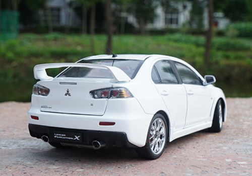 1/18 Dealer Edition Mitsubishi Lancer EVO Evolution X (White) Diecast Car Model