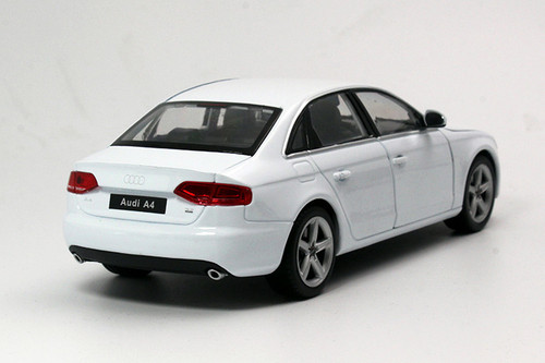 1/24 Welly FX 2015 Audi A4 (White) Diecast Car Model