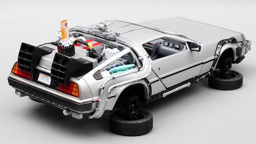 1/24 Welly DeLorean DMC-12 DMC12 Back To The Future Part 2 Diecast Car Model