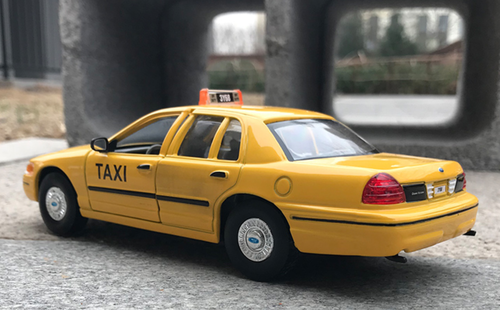 1/24 Welly FX 1999 Ford Crown Victoria Taxi Diecast Car Model