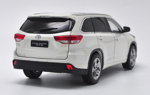 1/18 Dealer Edition 2018 Toyota Highlander (White) Diecast Car Model