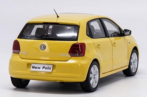 1/18 Dealer Edition 2013 Volkswagen VW Polo (Yellow) Diecast Car Model