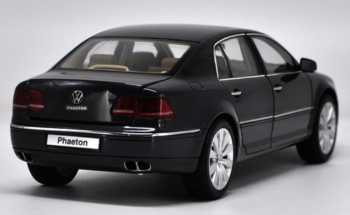 1/18 Kyosho Volkswagen VW Phaeton (Black) Diecast Car Model