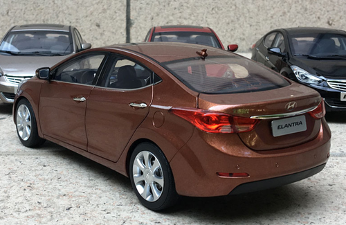 1/18 Dealer Edition Hyundai Elantra (Brown) 5th generation (MD/UD; 2011–2015) Diecast Car Model