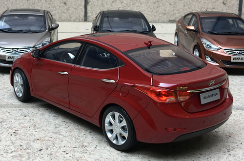 1/18 Dealer Edition Hyundai Elantra (Red) 5th generation (MD/UD; 2011–2015) Diecast Car Model